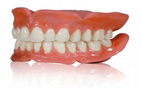 دندان مصنوعی متحرک بهتر است یا ایمپلنت ؟